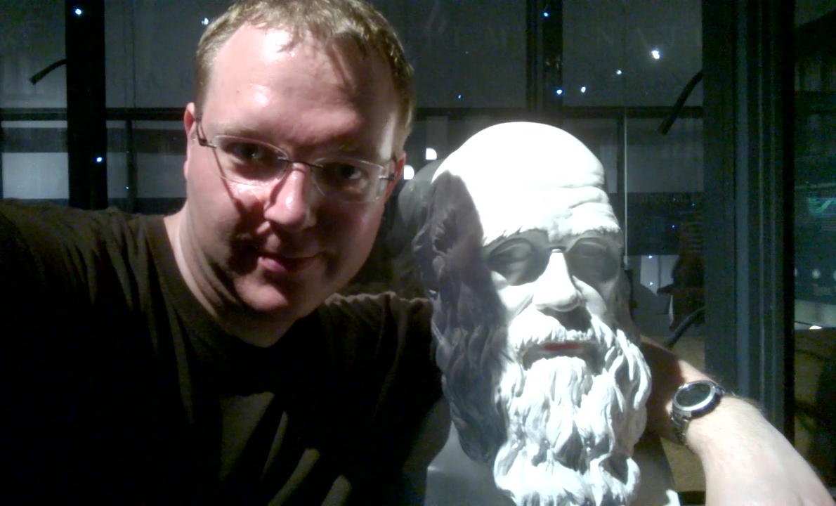 Andreas Müller und Charles Darwin (Foto: AM)